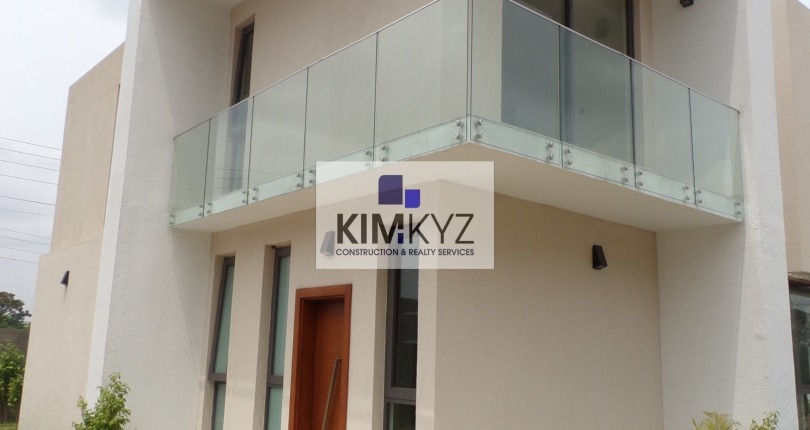 4 bedroom unfurnished townhouse for rent in Roman Ridge