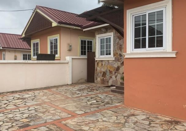 2 bedroom Townhouse for Rent Achimota