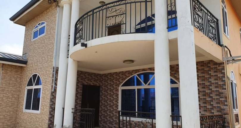 6 bedroom House for Sale in Tema Community 25 TDC