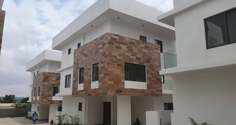 4 bedroom Townhouse for Rent in Airport Residential