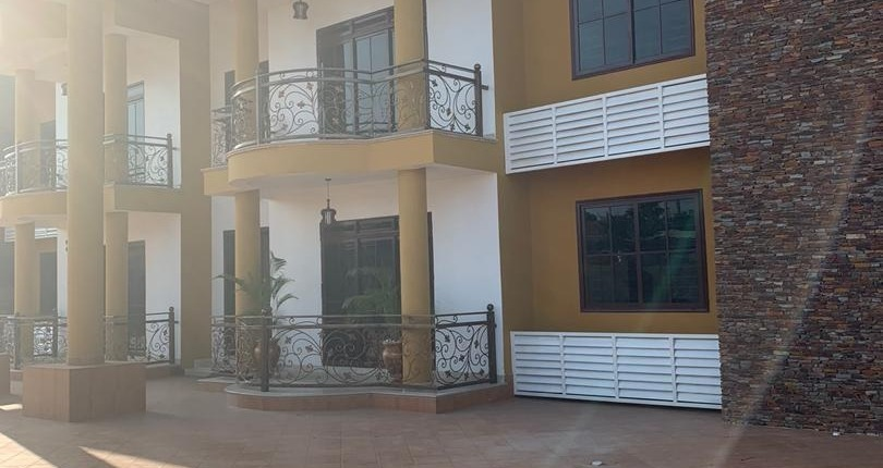 3 bedroom Unfurnished Apartment for Rent in East Legon